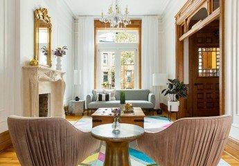 Decorando un sofisticado y colorido piso de alquiler