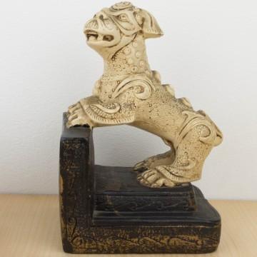 León de Fu sujetalibros
