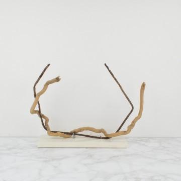 Escultura abstracta, Entre nosotros, 2008
