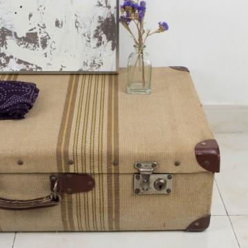 Maleta vintage color beige con rallas