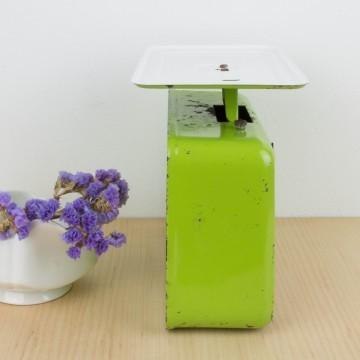 Báscula Stube verde antigua
