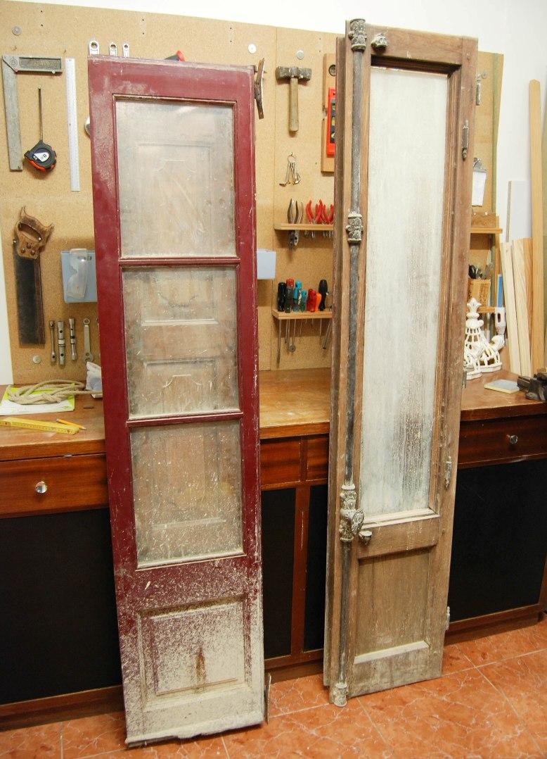 C mo hacer un espejo a partir de una puerta balconera o for Como reciclar puertas antiguas
