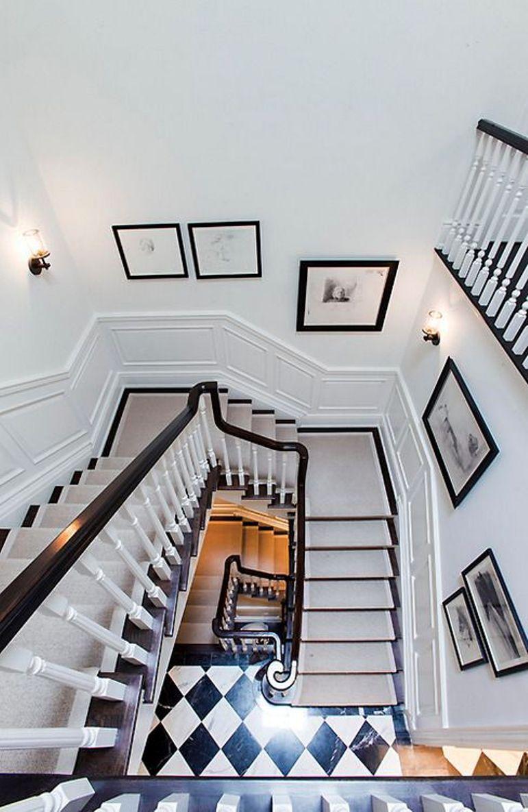 C mo decorar la pared de una escalera get the look - Como adornar una pared ...