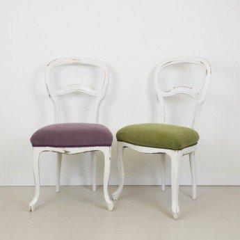 Sillas clásicas y aburridas transformadas en sillas actuales y llenas de color