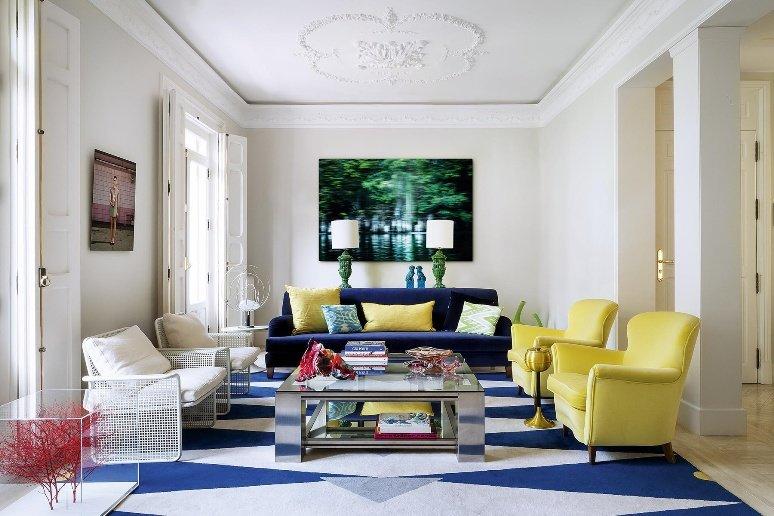 Arte y color para renovar un piso en Chamberí