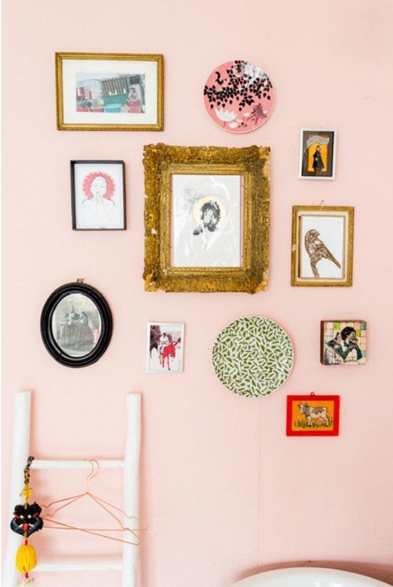 Muebles decadentes y de colores en una casa llena de inspiración