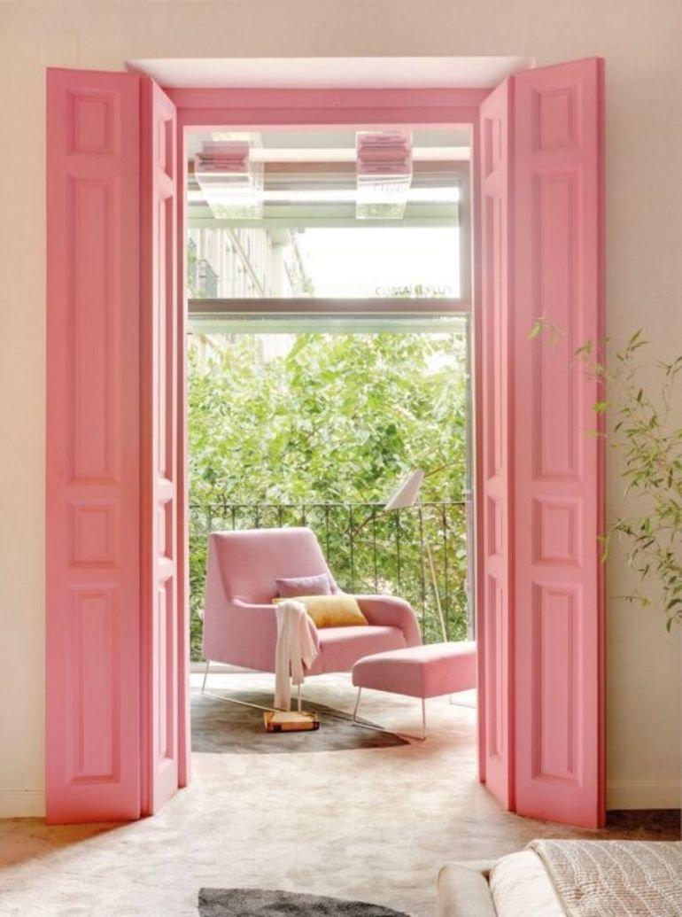 Renovar las puertas de casa con color