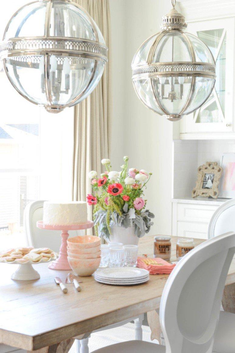 Blanco y rosa en casa de una blogger canadiense