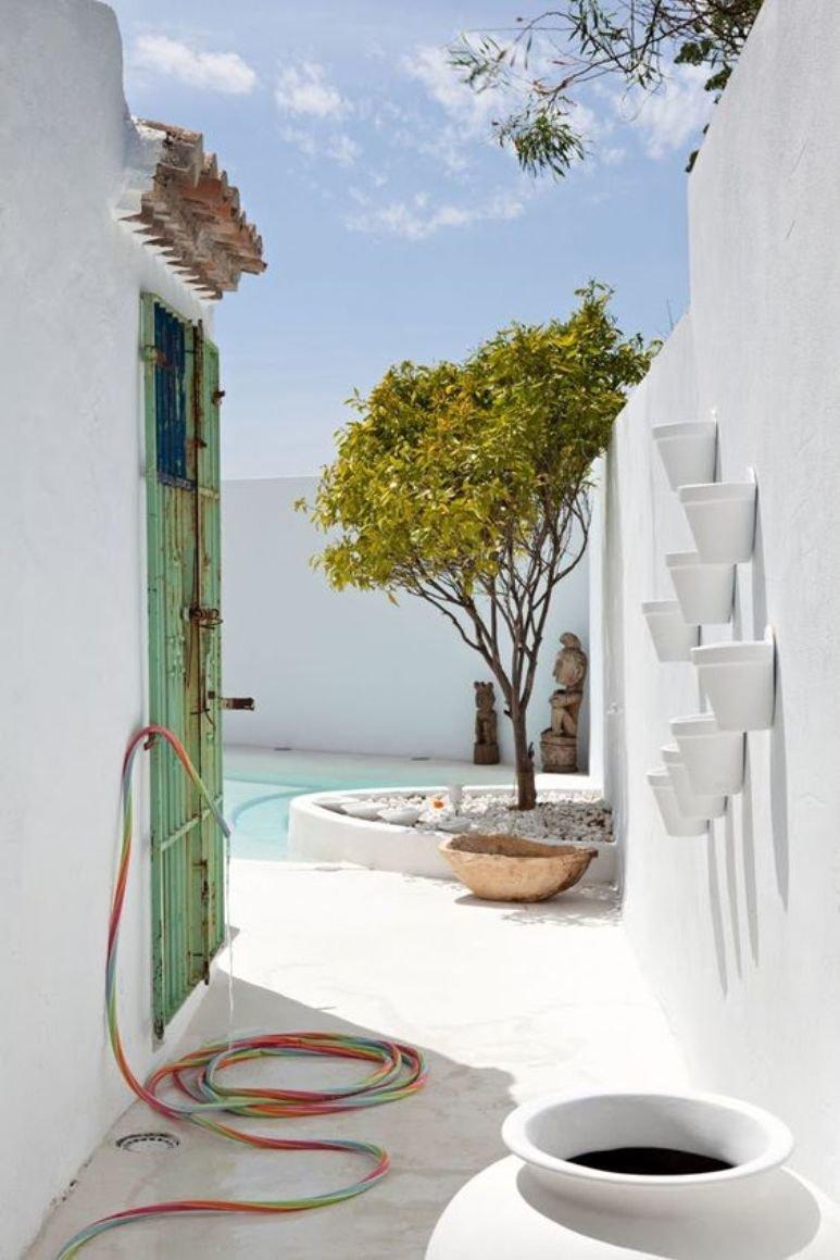 25 ideas para tener una piscina en patios y jardines pequeños