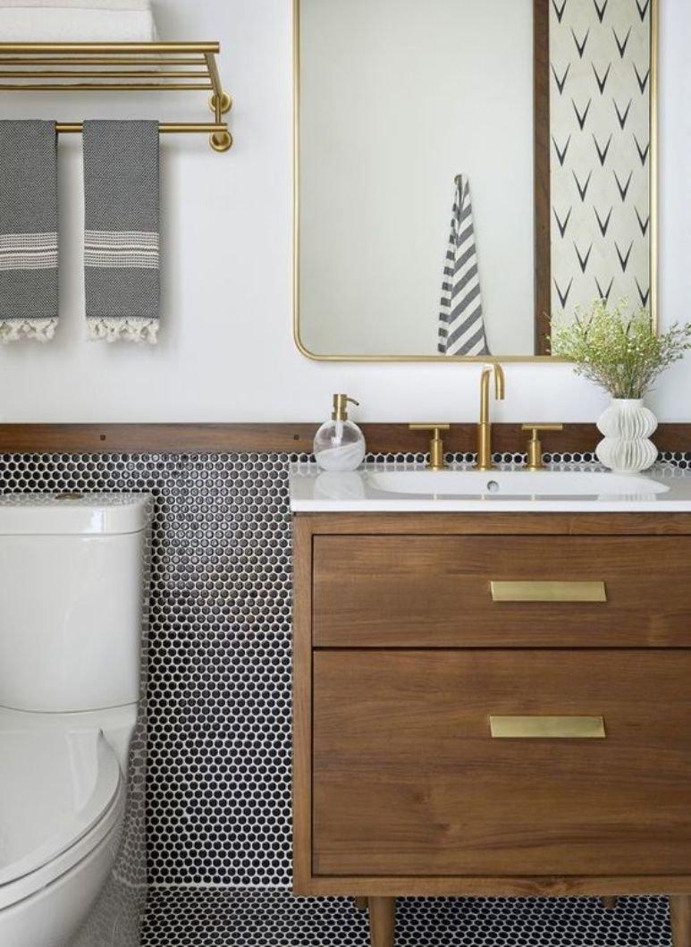 Cómo reformar un baño pequeño para que parezca más grande
