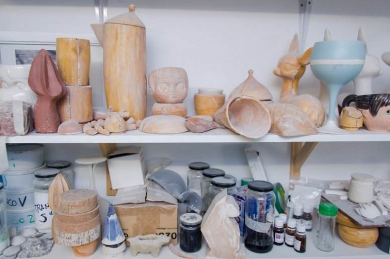 Un taller de cerámica lleno de frescura y cosas bonitas