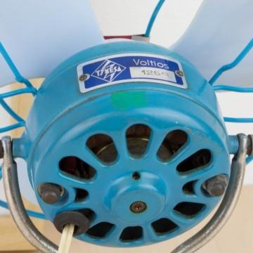 Ventilador antiguo azul Tymesa