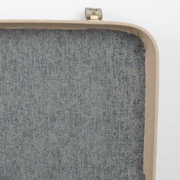 Antigua maleta de cuadritos, marca Tauro