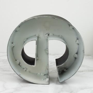 Letra e de hierro
