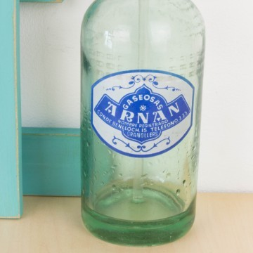 Sifón Arnan en blanco y azul antiguo