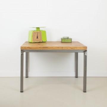 Mesa de centro estilo industrial rectangular