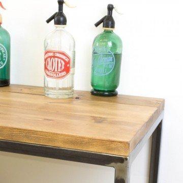 Mueble auxiliar de cocina de hierro y madera