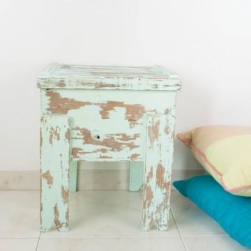 Caja rústica con patas en color mint