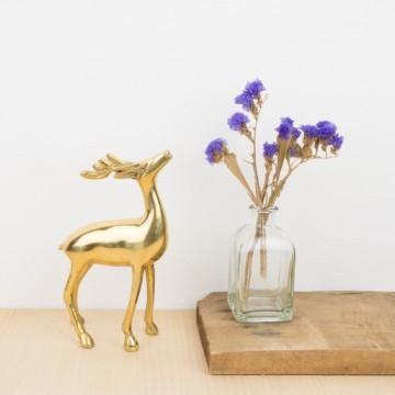Antiguo ciervo de bronce de Francia