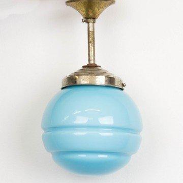 Pequeña lámpara de cristal opalino azul