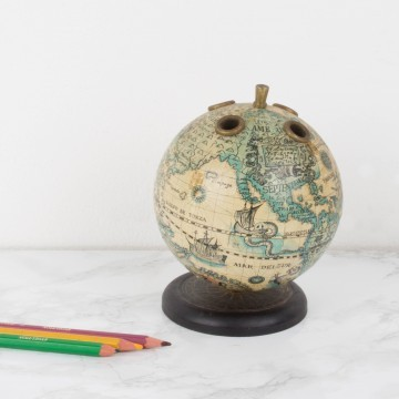 Lapicero con forma de bola del mundo