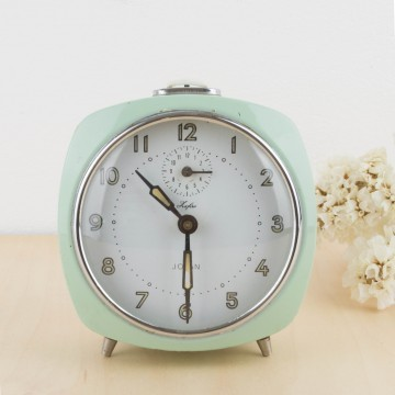 Reloj despertador de metal color mint