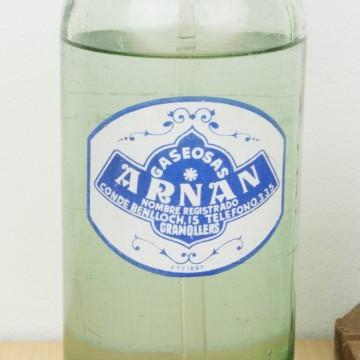 Antiguo sifón Arnan blanco y azul