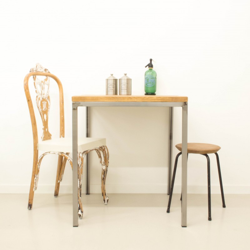 Mesa de comedor estilo industrial mesas muebles for Comedor industrial buffet