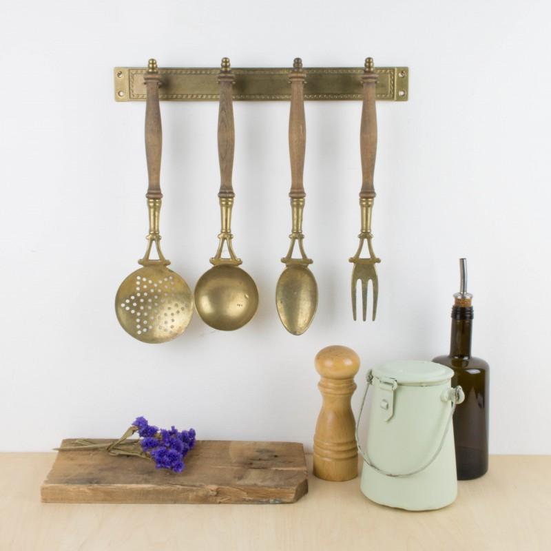 Antiguos utensilios de cocina para colgar menaje cocina - Utensilios de cocina de diseno ...