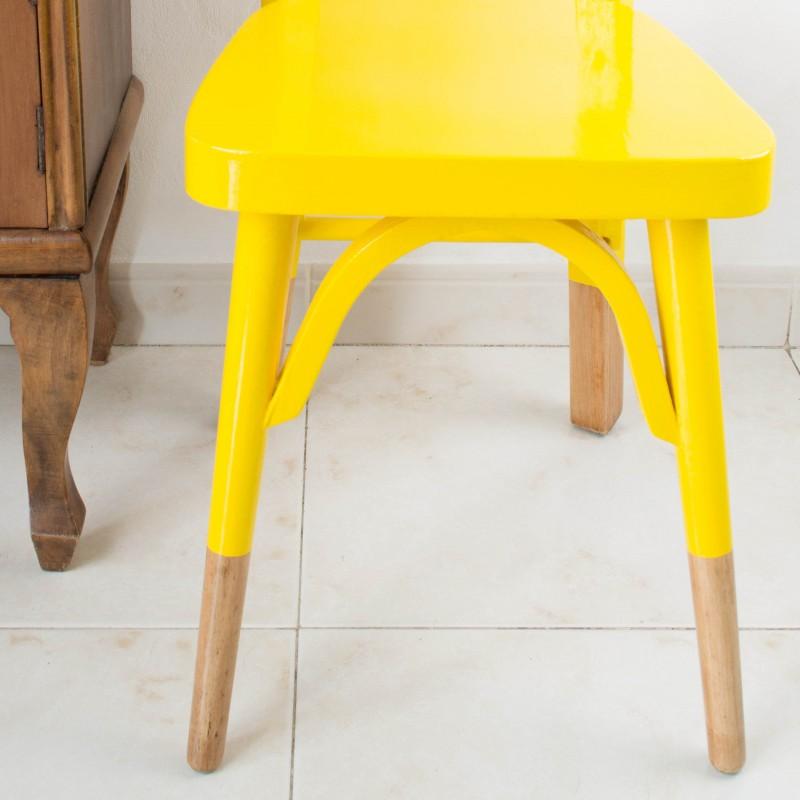 Antigua silla escolar restaurada en amarillo | Sillas | Muebles